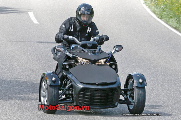 081414-2015-can-am-spyder-second-generation-spy-02-633x420.jpg