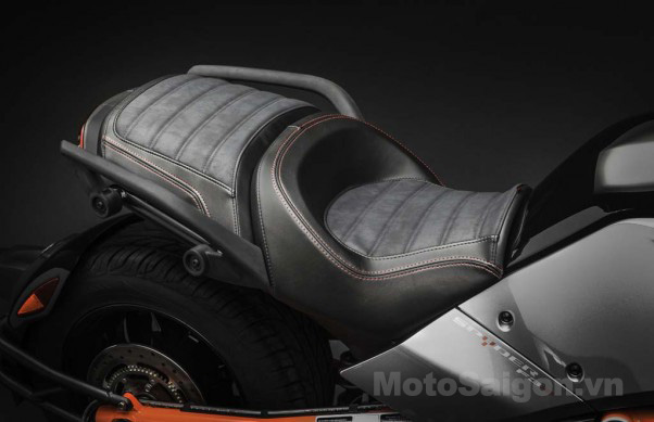 092414-2015-can-am-spyder-F3-S_Suede-Seat_15-602x389.jpg