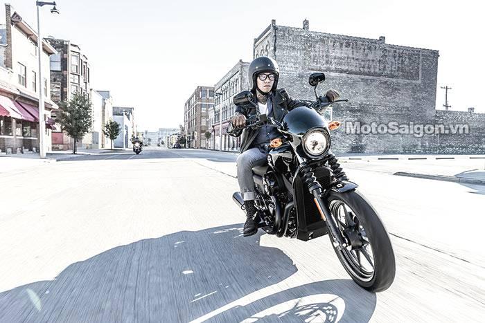 2014-Harley-Davidson-Street750a-small.jpg