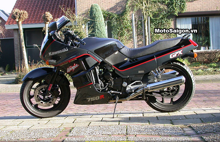 Ngắm Kawasaki GPX750 độ phong cách Cafe Racer cực đẹp 2