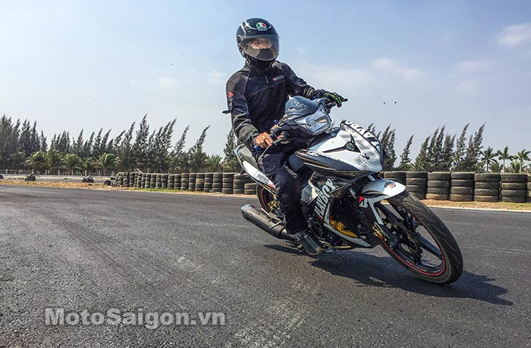 exciter-150-test-truong-dua-happy-land-moto-saigon-8.jpg