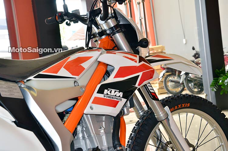 ktm-350-free-ride-moto-saigon-14.jpg