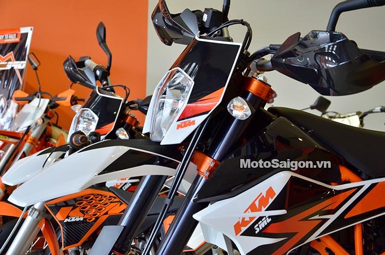 ktm-690-smc-motosaigon-2.jpg