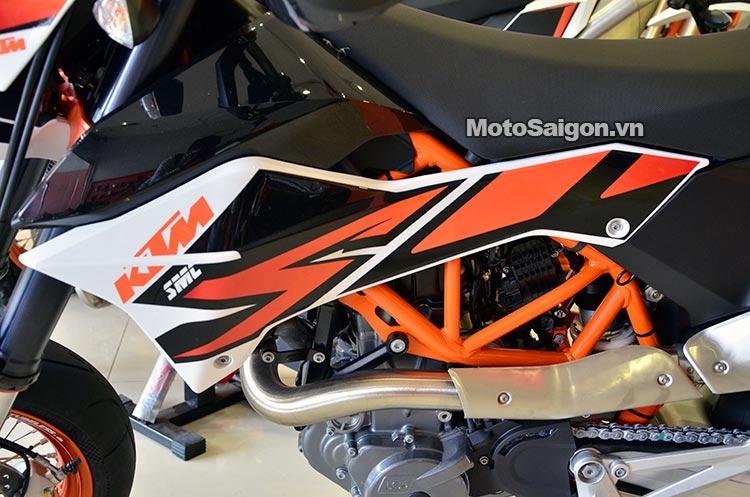 ktm-690-smc-motosaigon-4.jpg