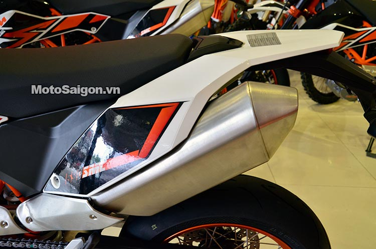 ktm-690-smc-motosaigon-5.jpg