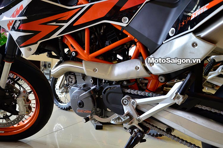 ktm-690-smc-motosaigon-7.jpg
