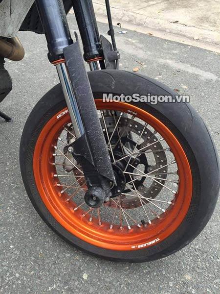 ktm-690-smc-r-moto-saigon-8.jpg
