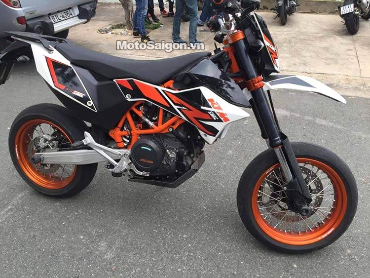 ktm-690-smc-r-moto-saigon-9.jpg