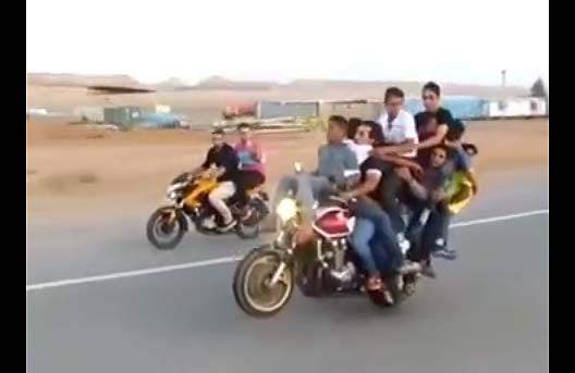 thanh-boc-dau-tren-moto-cb400-motosaigon.jpg