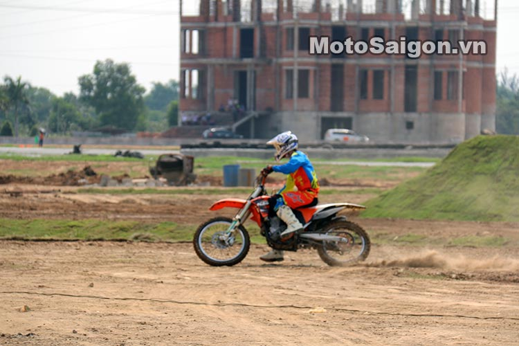 truong-dua-happy-land-circuit-motosaigon-12.jpg