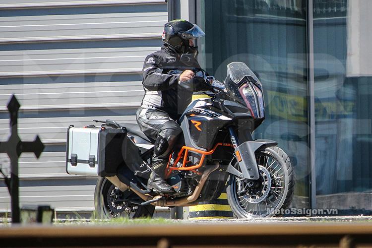 2017-ktm-1190-adventure-motosaigon-1