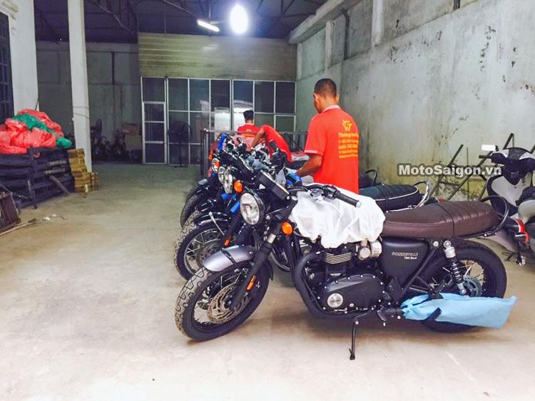 dap-thung-triumph-t120-black-2017-motosaigon-13