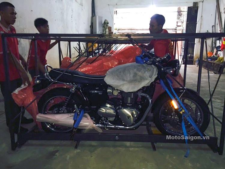 dap-thung-triumph-t120-black-2017-motosaigon-3