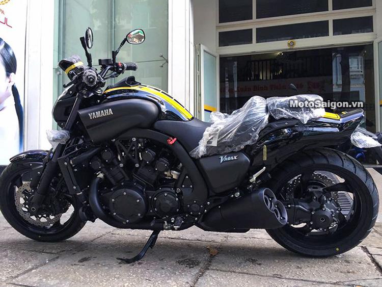 gia-ban-yamaha-vmax-2017-60th-anniversary-motosaigon-1