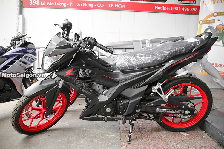 gia-sonic-150-mau-den-2017-motosaigon-1