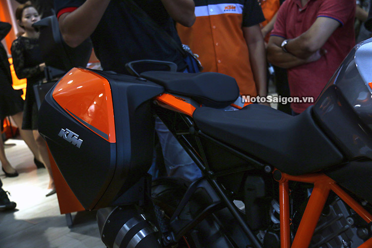 gia-ktm-1290-super-duke-gt-motosaigon-11
