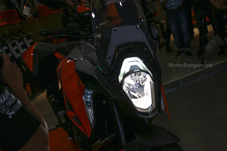 gia-ktm-1290-super-duke-gt-motosaigon-14