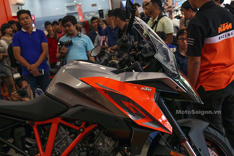 gia-ktm-1290-super-duke-gt-motosaigon-16