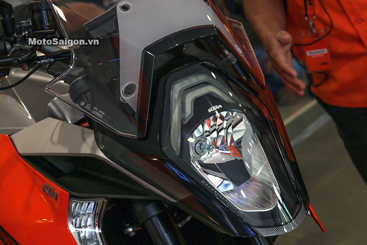 gia-ktm-1290-super-duke-gt-motosaigon-17