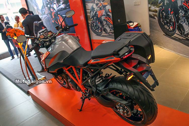 gia-ktm-1290-super-duke-gt-motosaigon-2