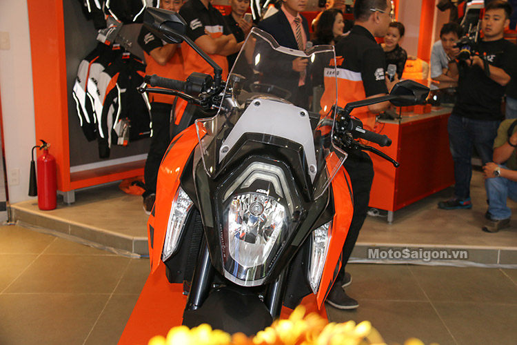 gia-ktm-1290-super-duke-gt-motosaigon-22