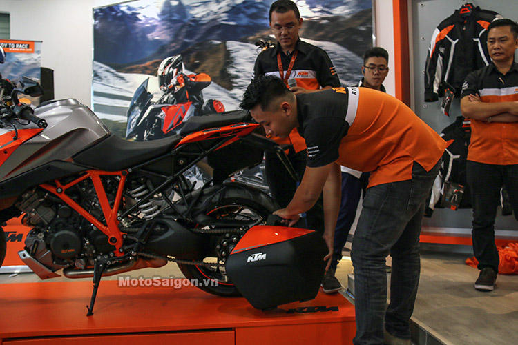 gia-ktm-1290-super-duke-gt-motosaigon-25