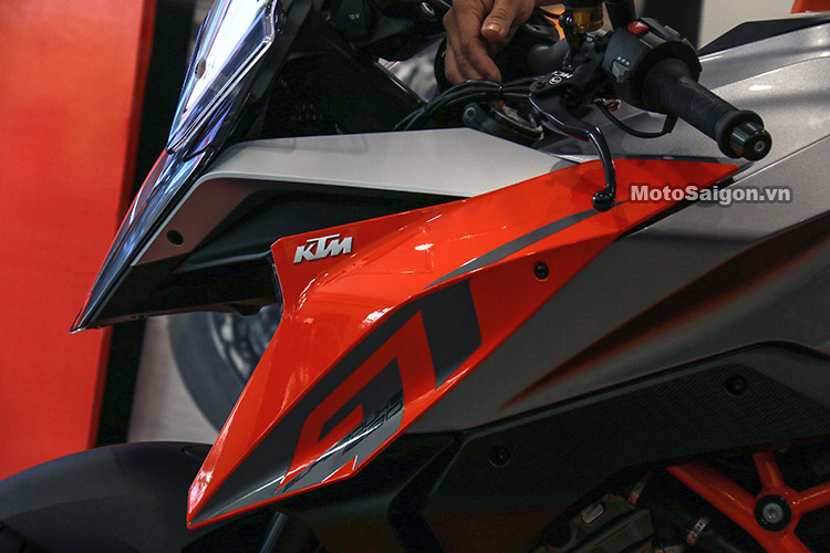 gia-ktm-1290-super-duke-gt-motosaigon-26