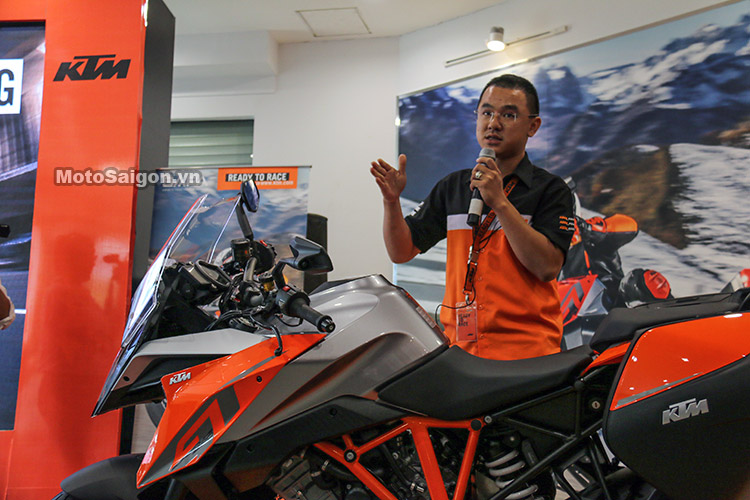 gia-ktm-1290-super-duke-gt-motosaigon-30