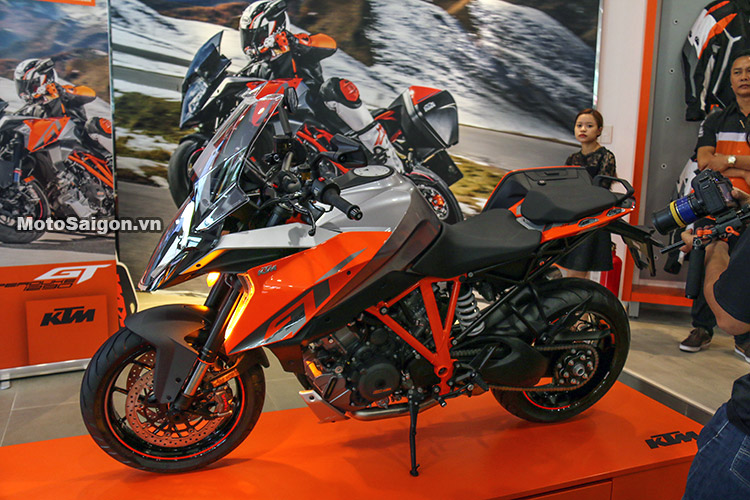 gia-ktm-1290-super-duke-gt-motosaigon-5