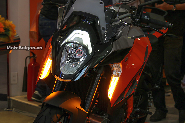 gia-ktm-1290-super-duke-gt-motosaigon-6