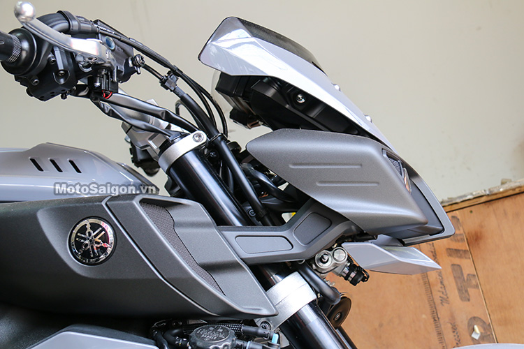 gia-yamaha-mt10-2017-motosaigon-10