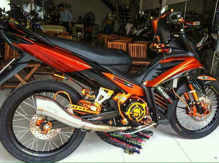 exciter-135-do-trai-62-motosaigon-1