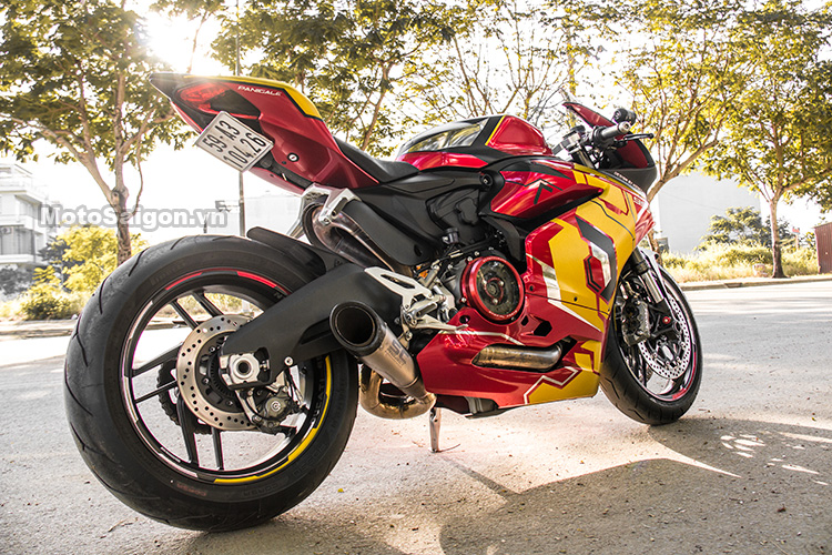 959-panigale-ducati-nu-biker-iron-man-motosaigon-18