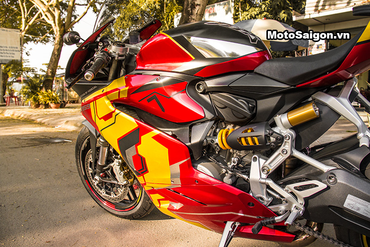959-panigale-ducati-nu-biker-iron-man-motosaigon-19