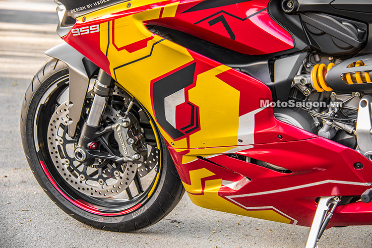 959-panigale-ducati-nu-biker-iron-man-motosaigon-7