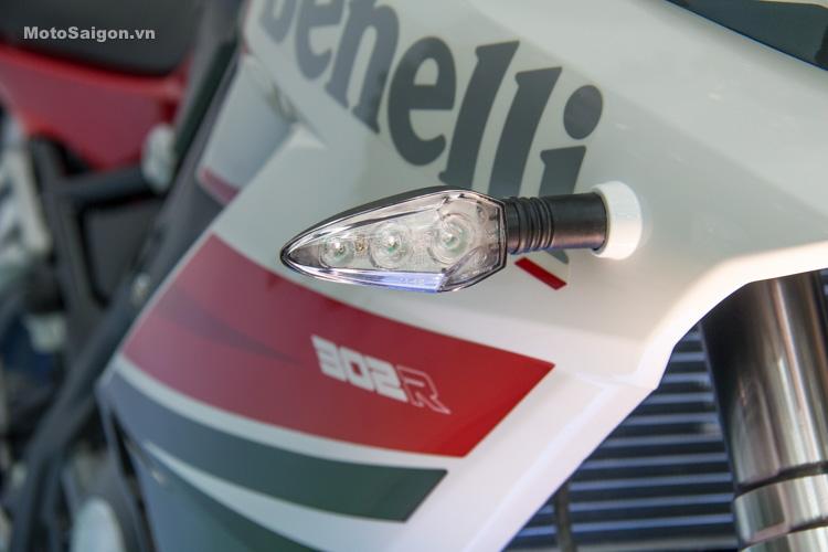 danh-gia-xe-benelli-302r-tnt125-thong-so-motosaigon-12