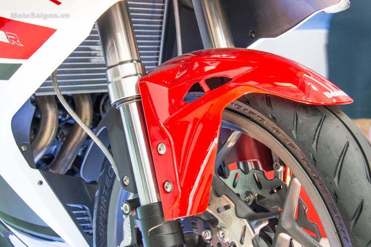 danh-gia-xe-benelli-302r-tnt125-thong-so-motosaigon-13