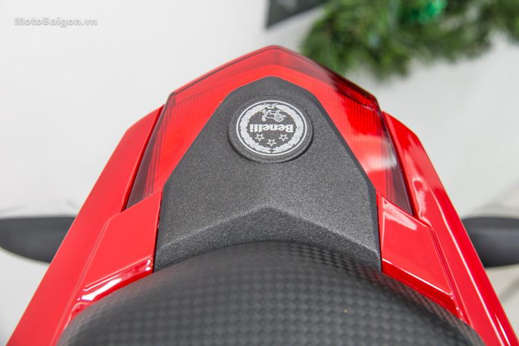 danh-gia-xe-benelli-302r-tnt125-thong-so-motosaigon-20