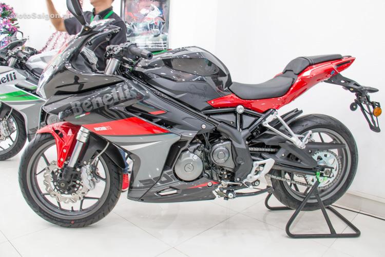 danh-gia-xe-benelli-302r-tnt125-thong-so-motosaigon-21