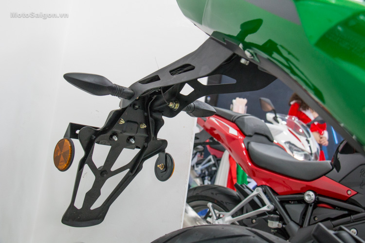 danh-gia-xe-benelli-302r-tnt125-thong-so-motosaigon-35