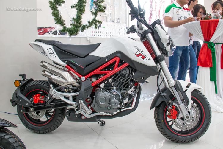 danh-gia-xe-benelli-302r-tnt125-thong-so-motosaigon-36