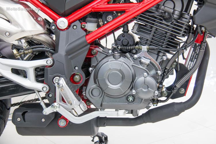 danh-gia-xe-benelli-302r-tnt125-thong-so-motosaigon-38