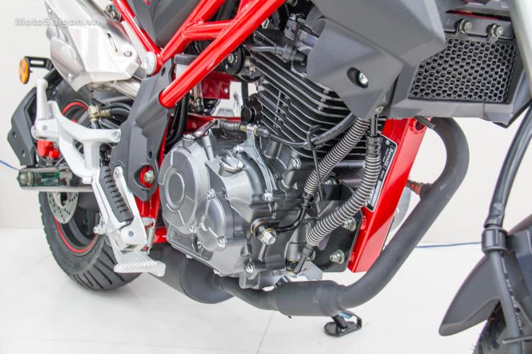 danh-gia-xe-benelli-302r-tnt125-thong-so-motosaigon-46