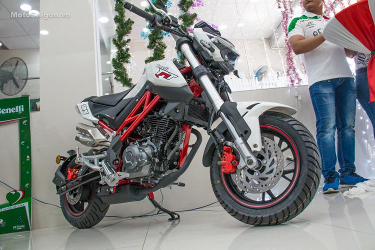 danh-gia-xe-benelli-302r-tnt125-thong-so-motosaigon-48