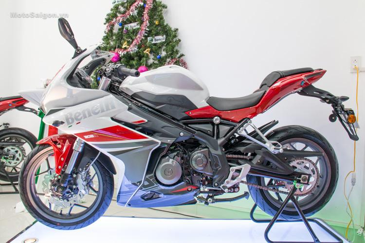 danh-gia-xe-benelli-302r-tnt125-thong-so-motosaigon-5