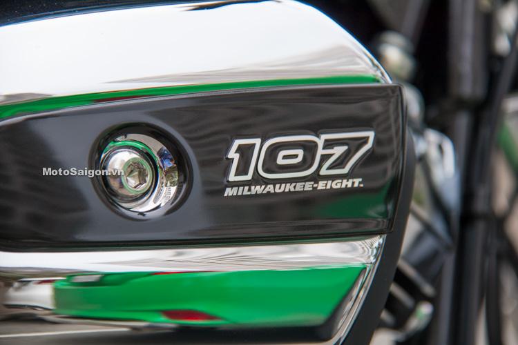 danh-gia-xe-harley-road-king-dong-co-milwaukee-eight-107-motosaigon-12