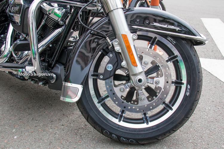 danh-gia-xe-harley-road-king-dong-co-milwaukee-eight-107-motosaigon-20