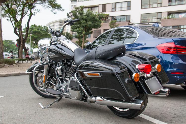 danh-gia-xe-harley-road-king-dong-co-milwaukee-eight-107-motosaigon-28