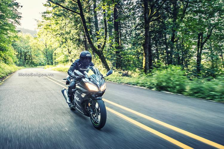 Ninja® 300 ABS Winter Test Edition