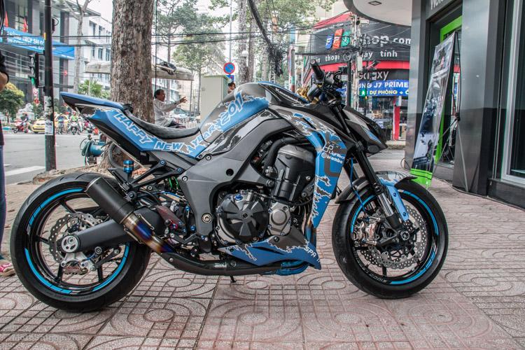 z1000-xanh-nhom-xuoc-do-choi-khung-motosaigon-1